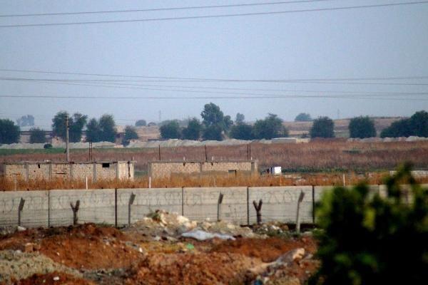 Fırat'ın doğusuna operasyon açıklaması sonrası YPG'li teröristler harekete geçti