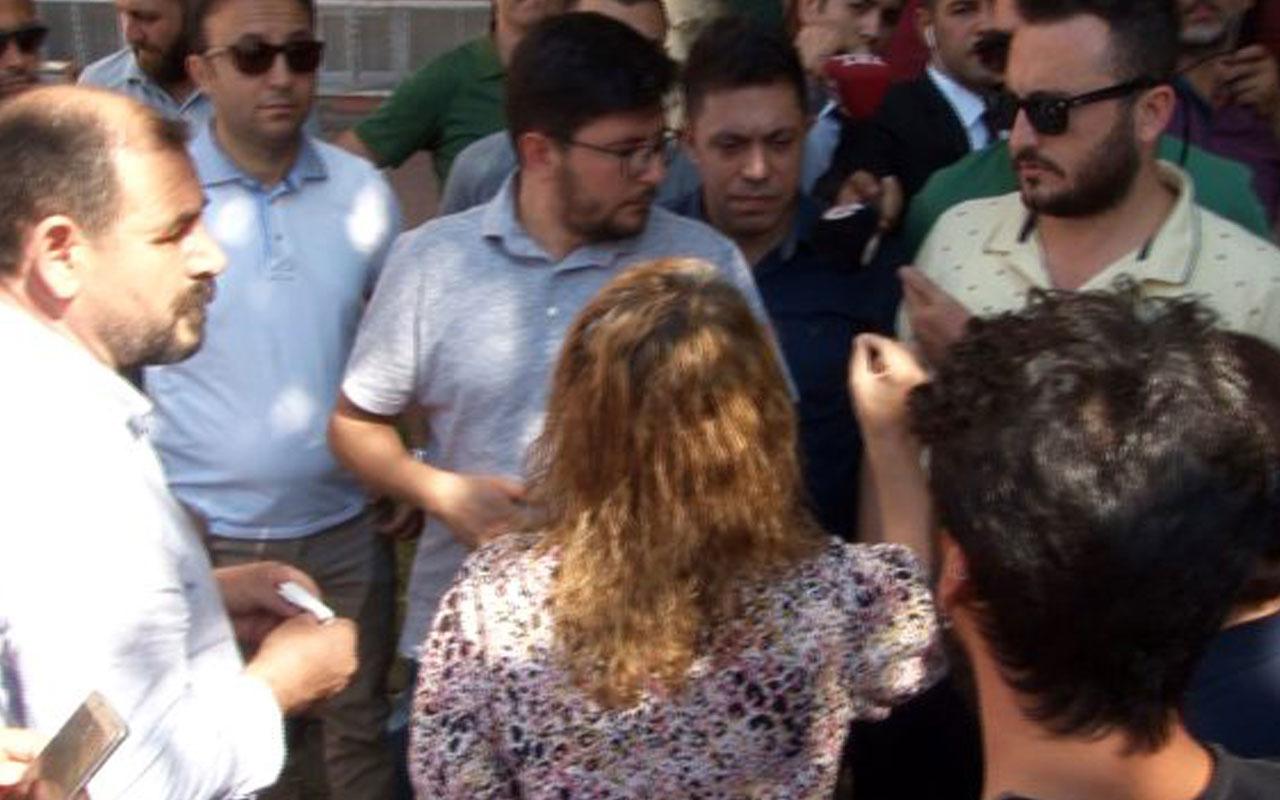 HDP'li vekil, Diyarbakır İl Başkanlığı önünde oturma eylemi yapan ailelere selam verdi
