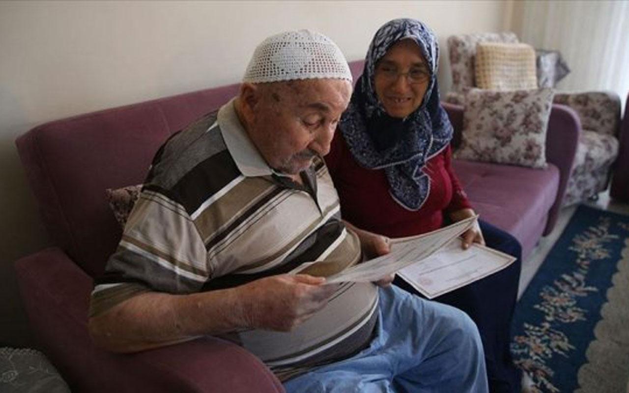 Ahmet dede 90 yaşında okur yazar oldu