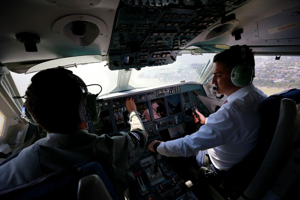 Tarım ve Orman Bakanı Bekir Pakdemirli Rus yangın uçağını test etti