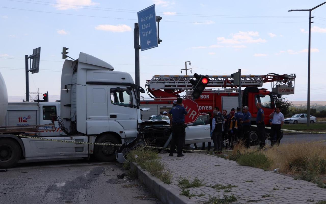 Hatay Emniyet Müdürü trafik kazası geçirdi! Kendisi yaralı eşi hayatını kaybetti