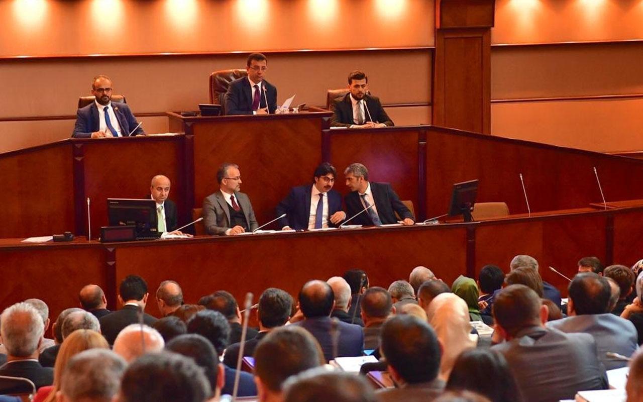Ahmet Hakan İBB Meclis oturumunu topa tuttu: Azalmayan büyük bir kuru gürültü