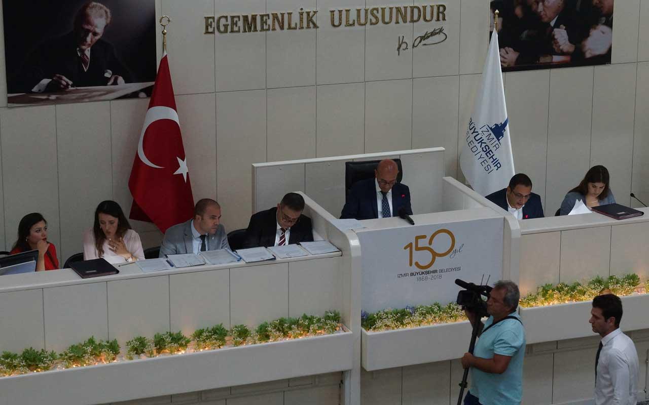 İzmir'de AK Parti'nin 'PKK'yı kınama' önergesi reddedildi