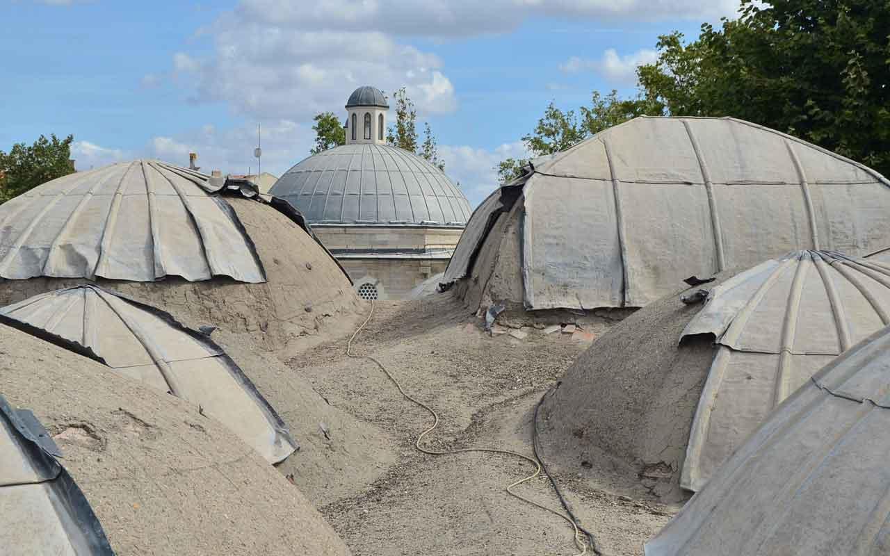 Kırklareli'nde 500 yıllık caminin kubbelerindeki kurşunlar çalındı