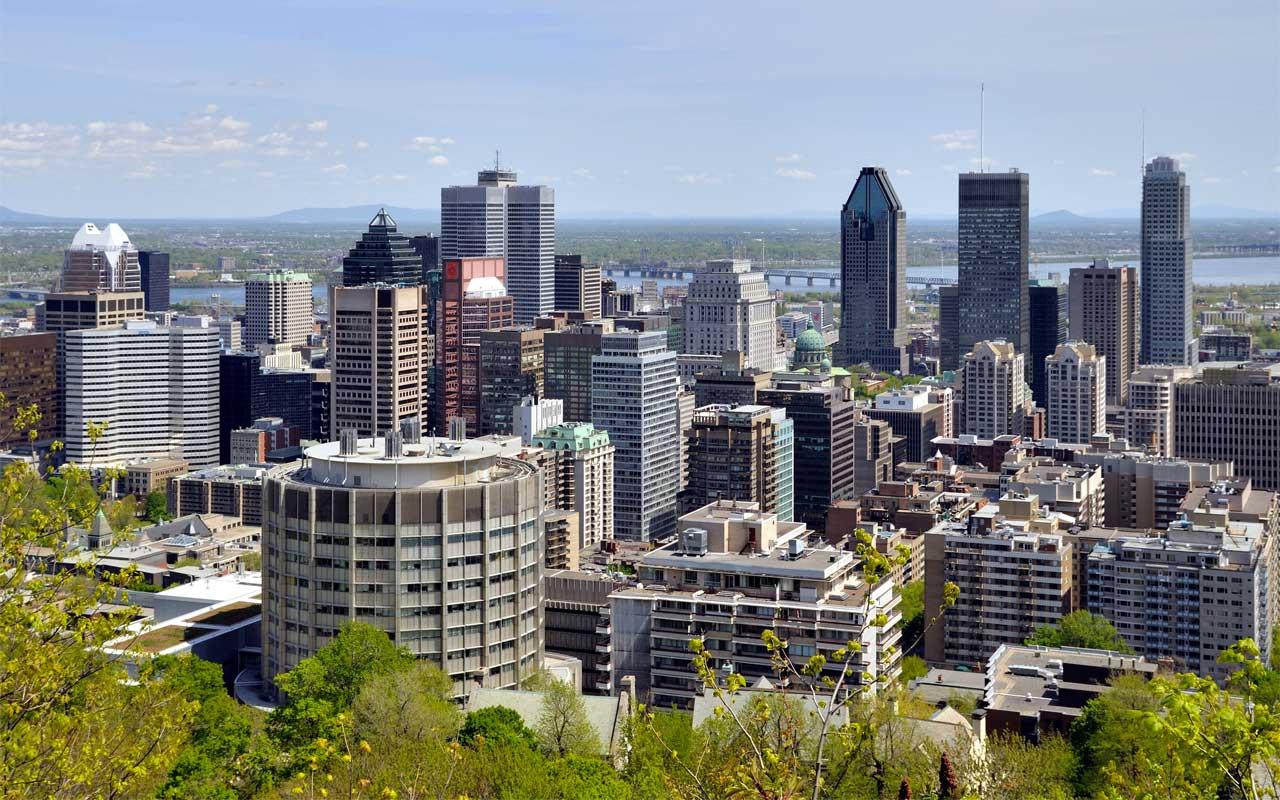 Kanada'da iki Müslüman öğretmen başörtüleri nedeniyle işsiz kaldı