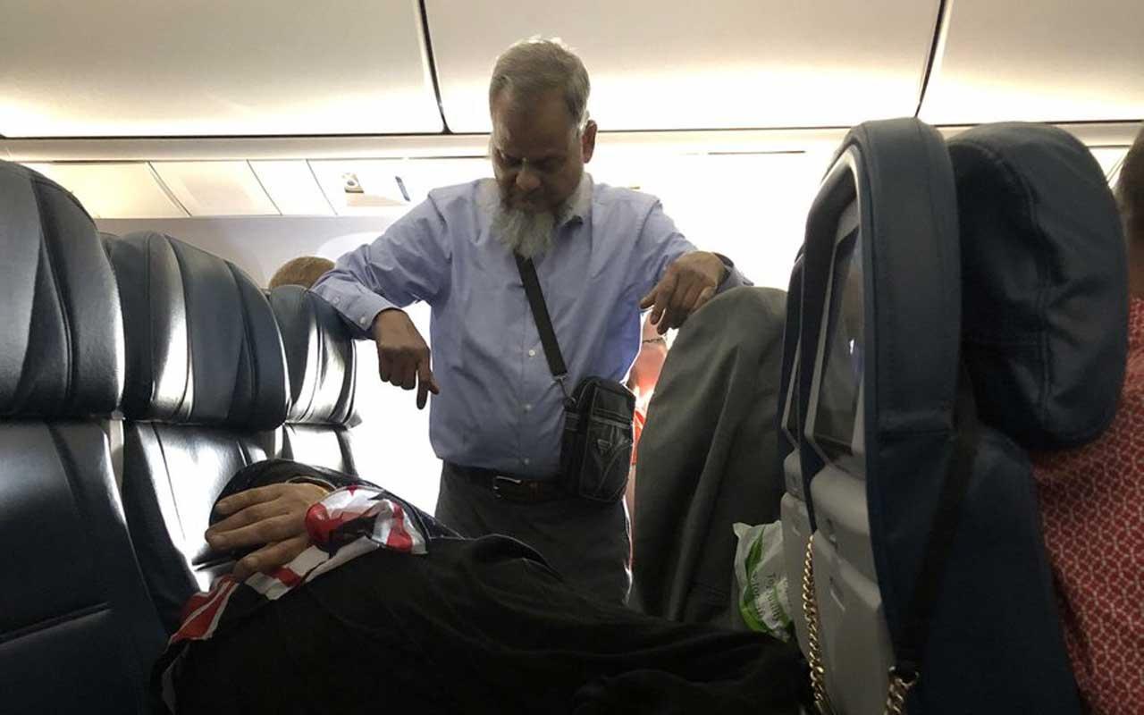 Uçakta çekilen bu fotoğraf sosyal medyayı ikiye böldü