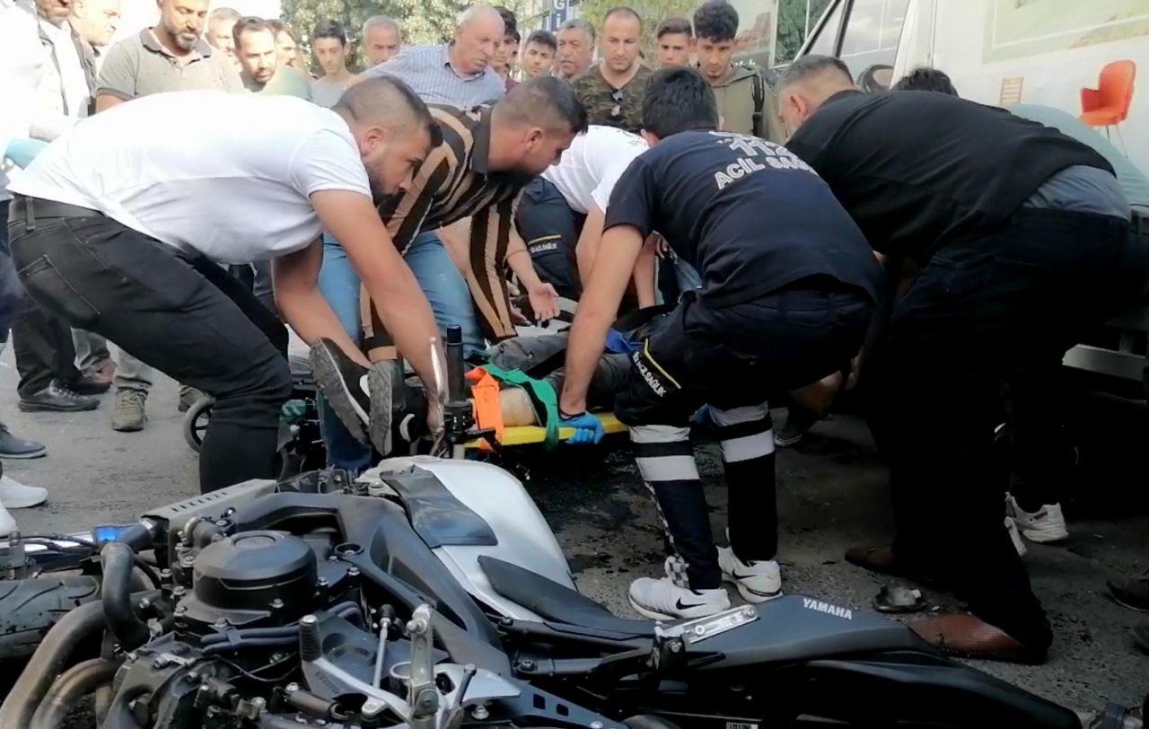 Erzincan'da iki motosiklet çarpıştı: 1 ölü 2 yaralı