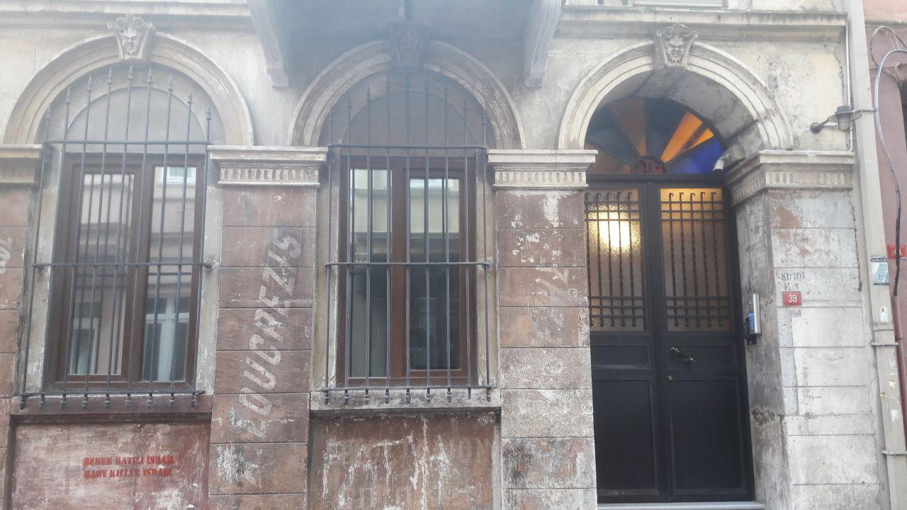 İstanbul Beyoğlu'nda 2 İngiliz otelde ölü bulundu
