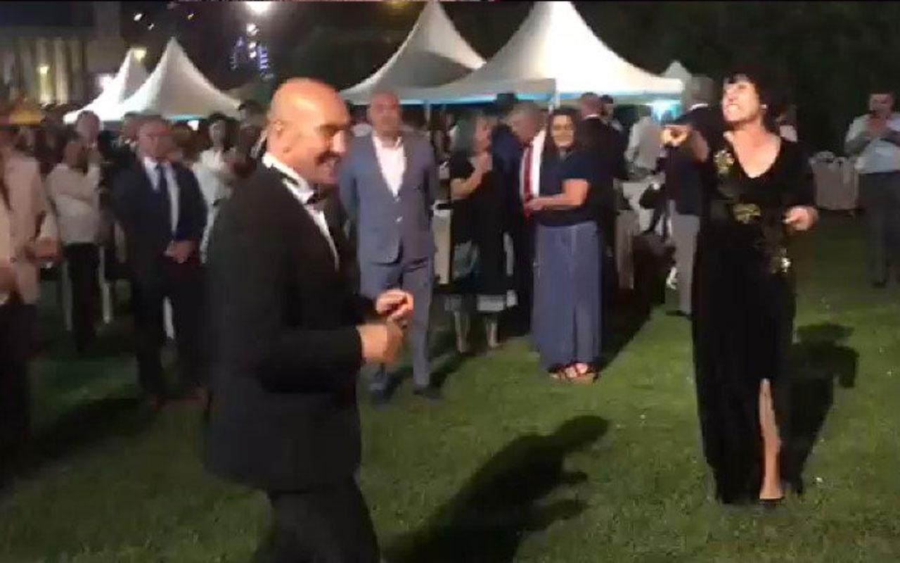 Tunç Soyer'in yaptığı dansa Fuat Uğur'dan olay yorum: Erkek erkeğe yaptıkları tuhaf ürpertici