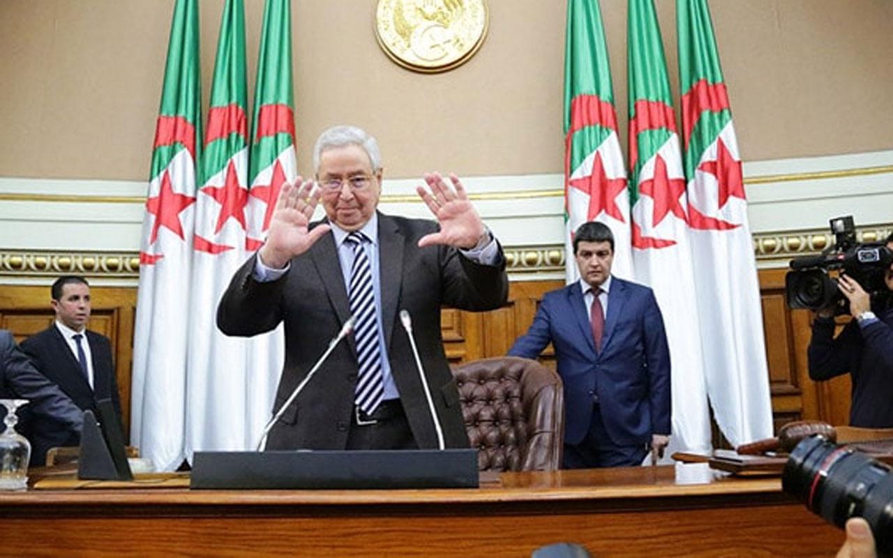 Cezayir'de cumhurbaşkanı seçimleri 12 Aralık'ta