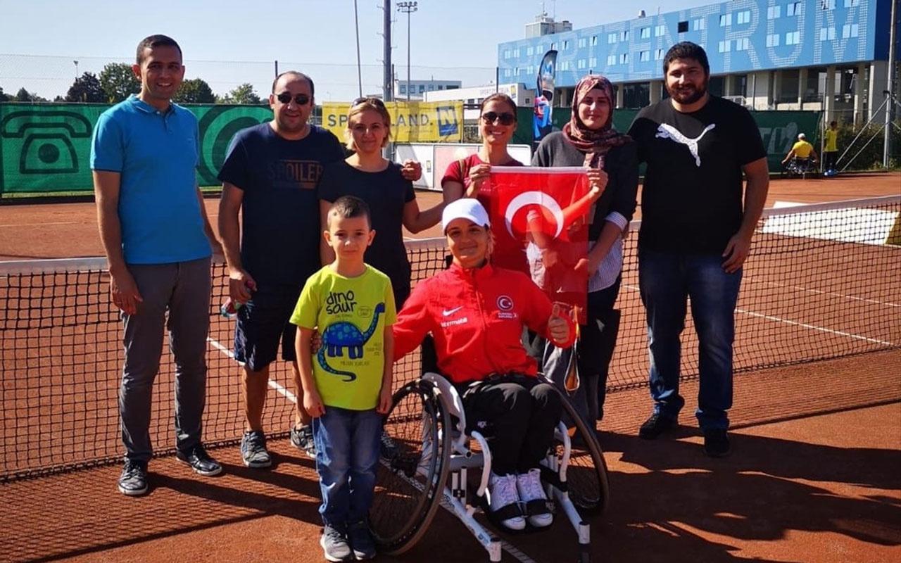 Paralimpik tenisçi Büşra Ün şampiyon oldu