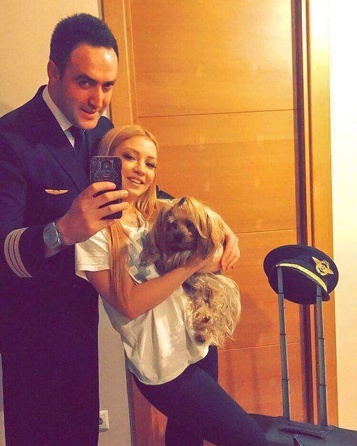 Ece Seçkin'e pilot sevgilisi cip alınca boyunu eleştirenlere olay gönderme yaptı