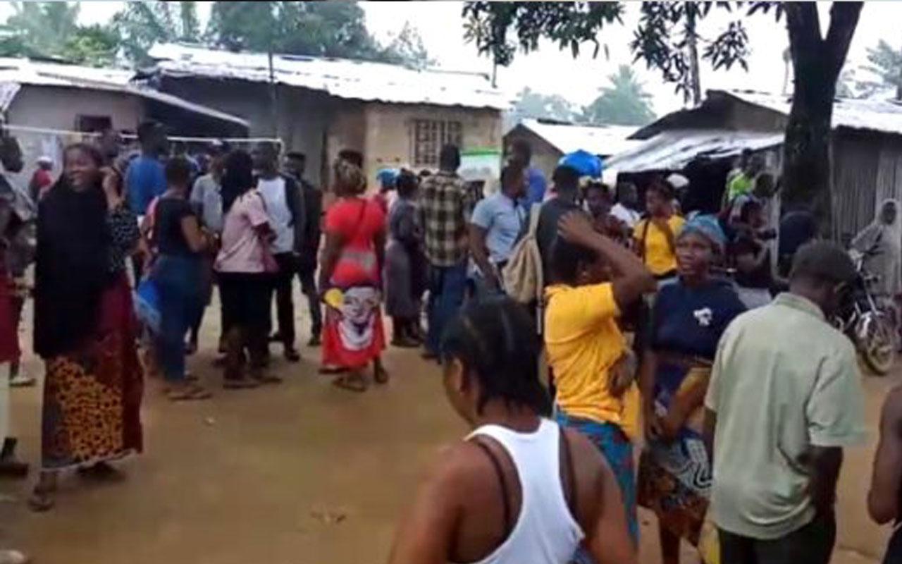 Liberya'da bir ilkokulda çıkan yangında 30 çocuk hayatını kaybetti