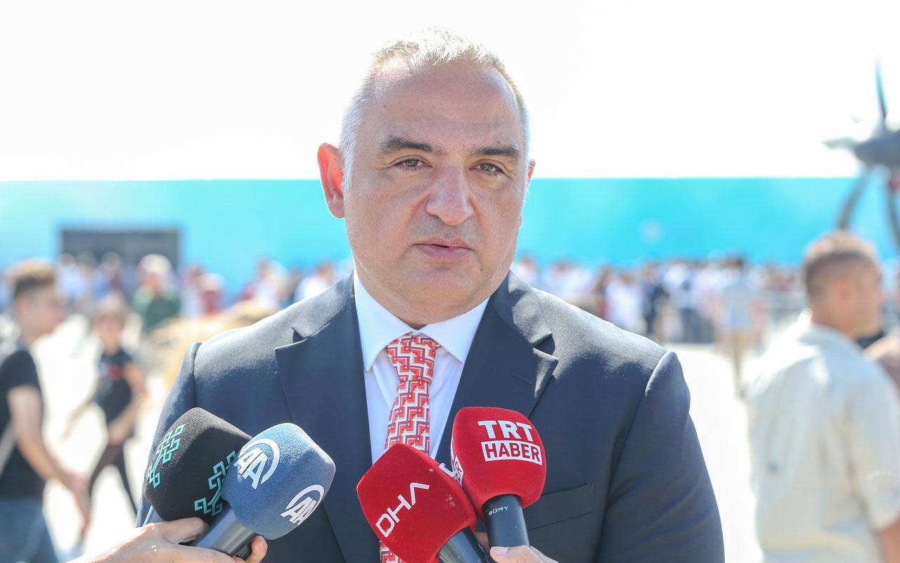 Bakan Mehmet Nuri Ersoy'dan turist rehberleri ve MüzeKart açıklaması