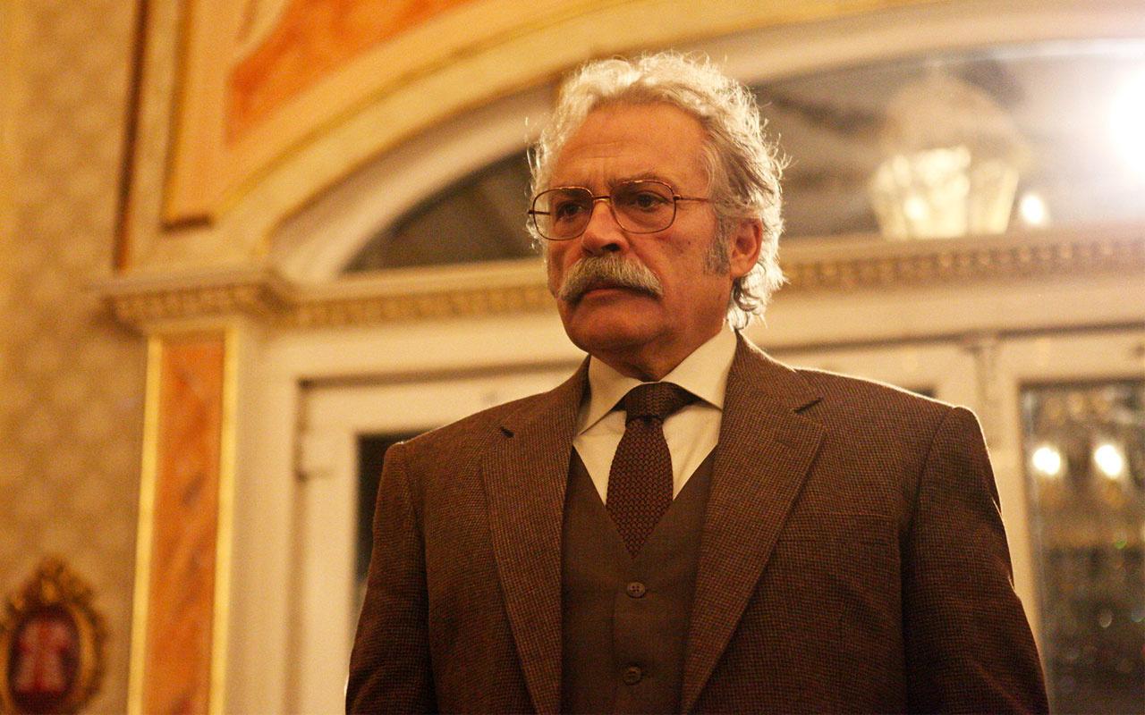 Şahsiyet'teki rolü ile Emmy'de aday olan Haluk Bilginer'e ünlülerden destek mesajı