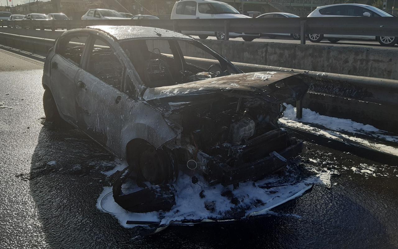 Haliç Köprüsü'nde otomobil yandı! Trafik felç oldu