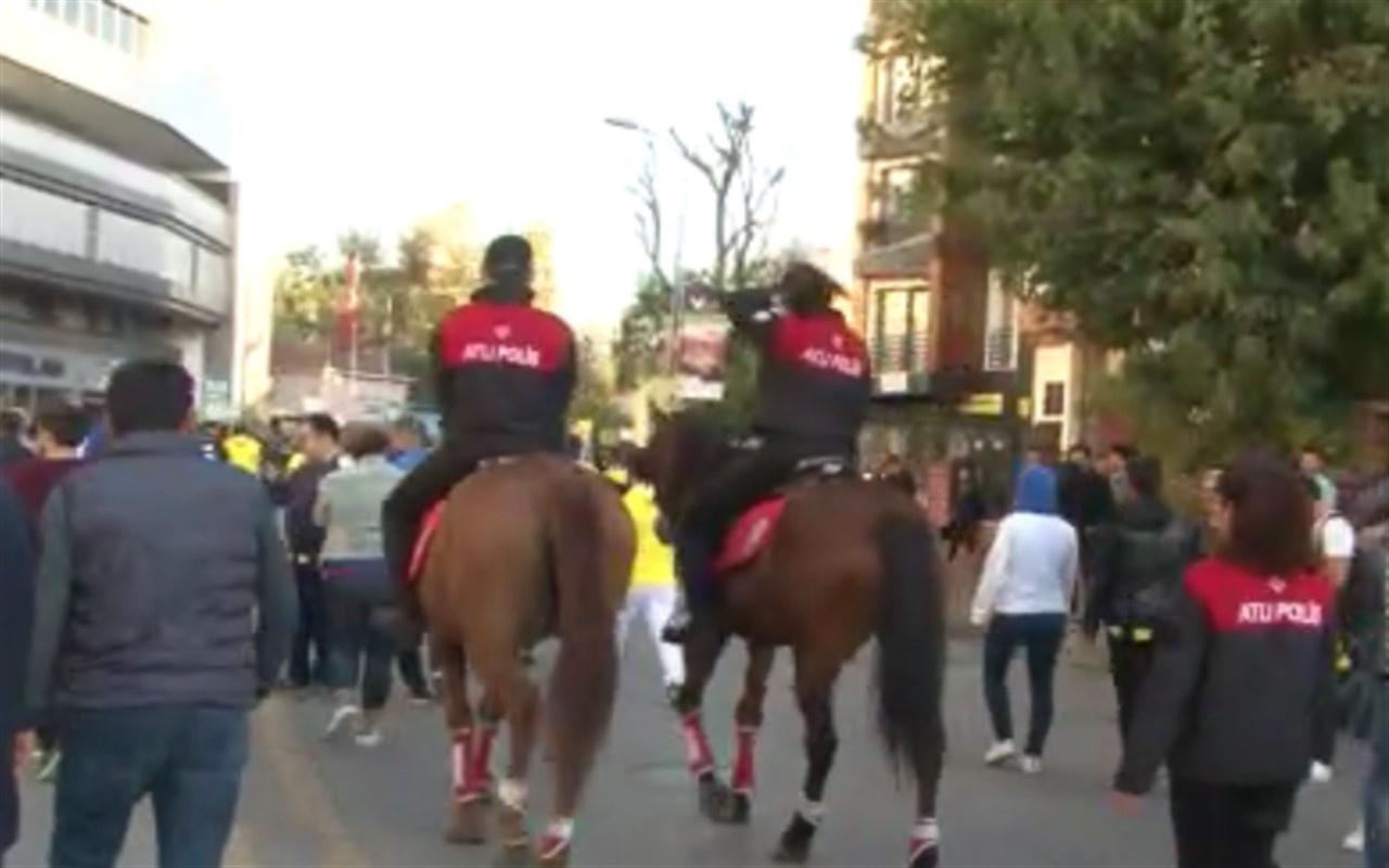 Kadıköy'de atlı polisler görev aldı