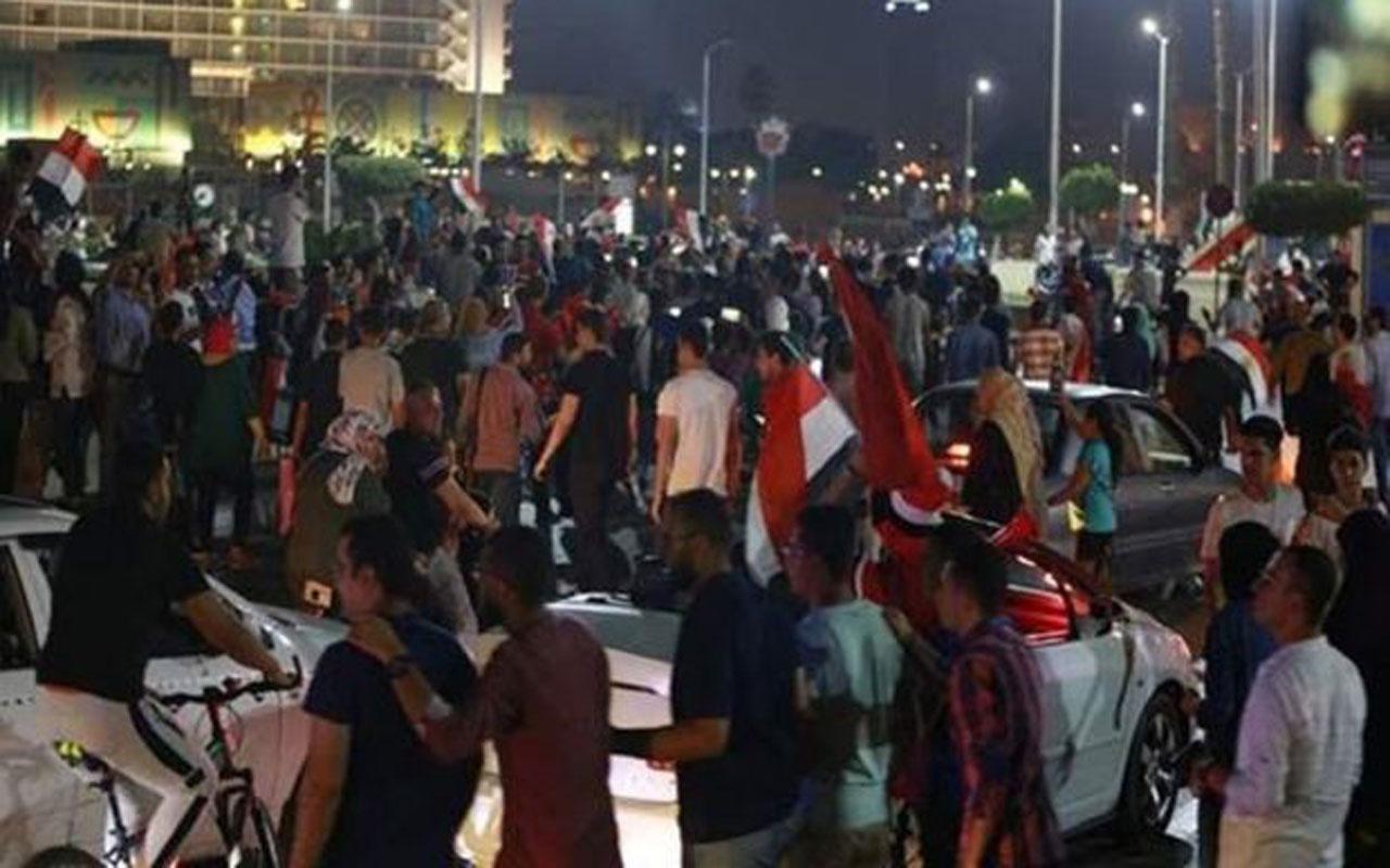 Mısır'da halk sokaklara döküldü! Darbeci Sisi'yi 'tutuklayın' çağrısı