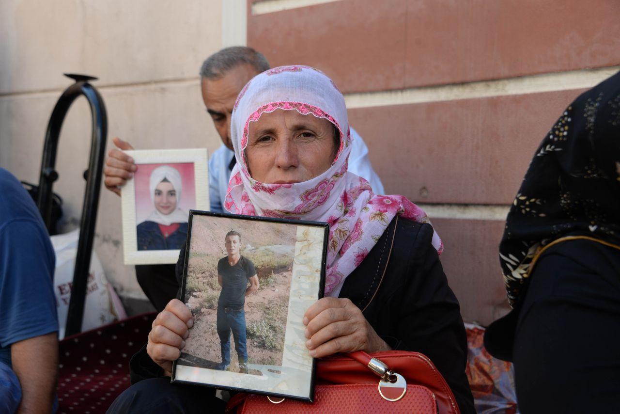 Diyarbakır HDP önündeki eylemin 22'inci günü! Annenin sözleri ağlattı