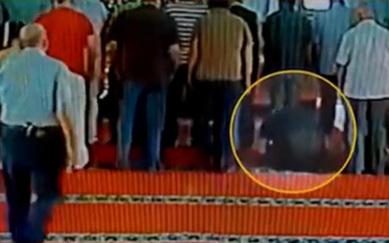 İstanbul'da camide kalp krizi geçiren kişiye yardım eden olmadı