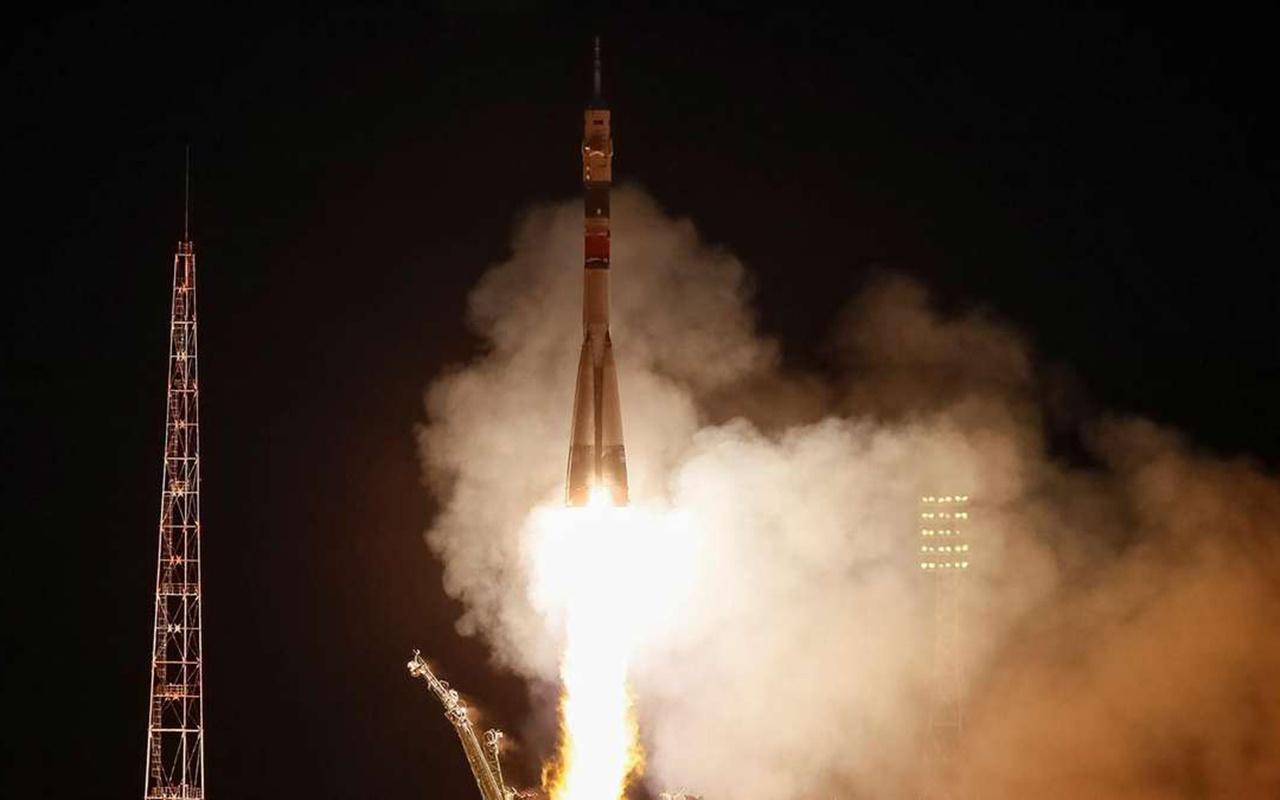 Soyuz MS-15 uzaya fırlatıldı