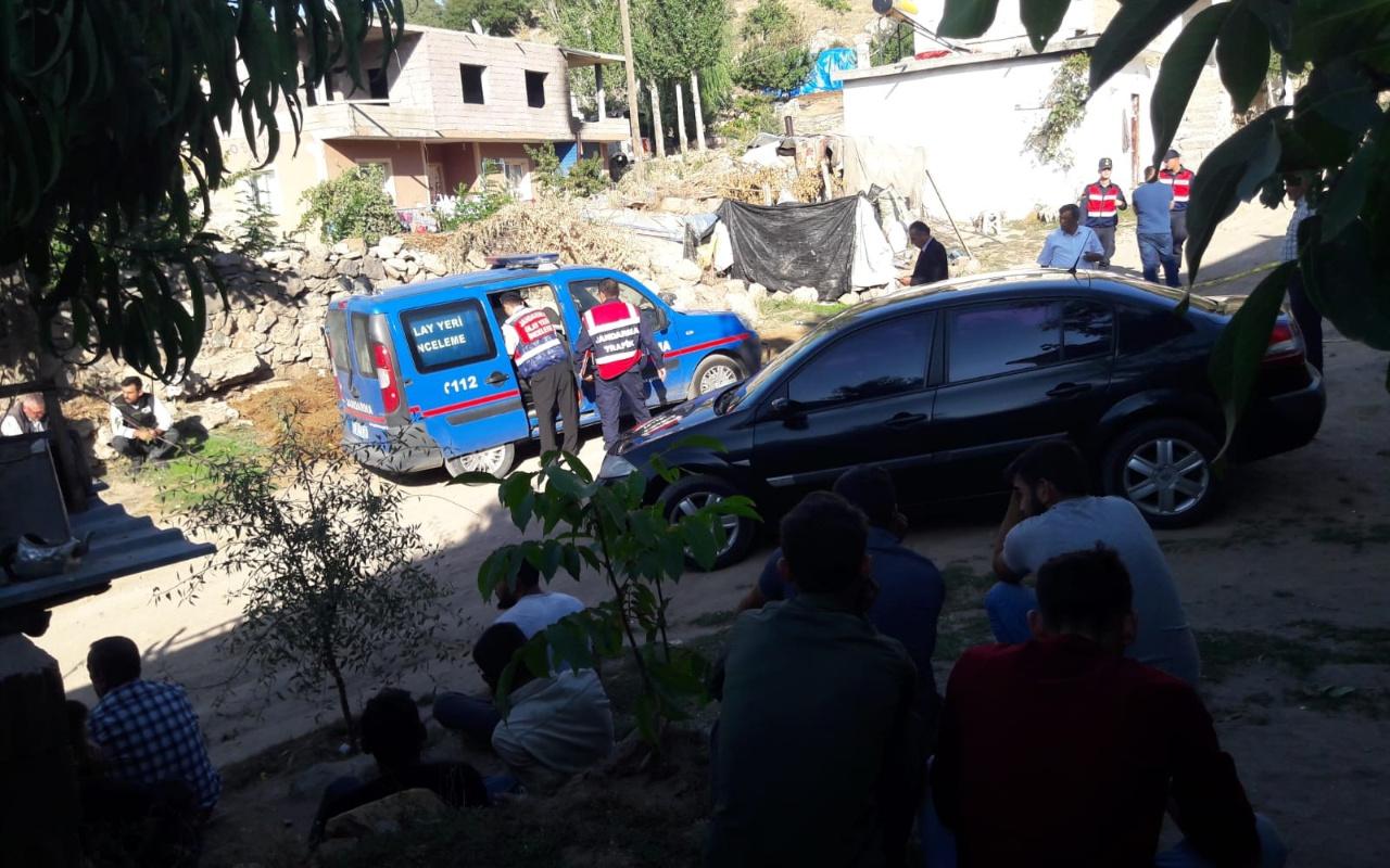 Nevşehir'de kamyonun altında kalan sürücü feci şekilde can verdi