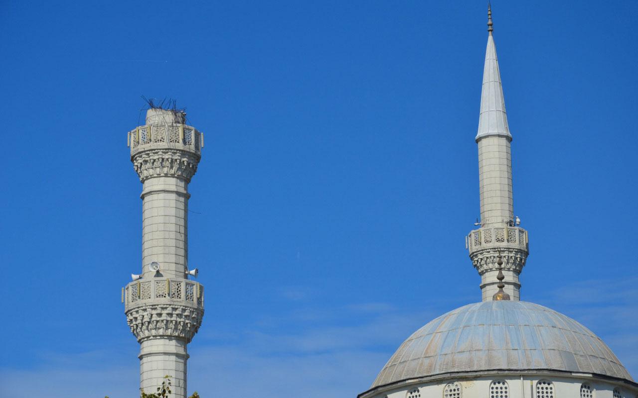 Depremin sembollerinden olmuştu Minaresi yıkılan cami mühürlendi