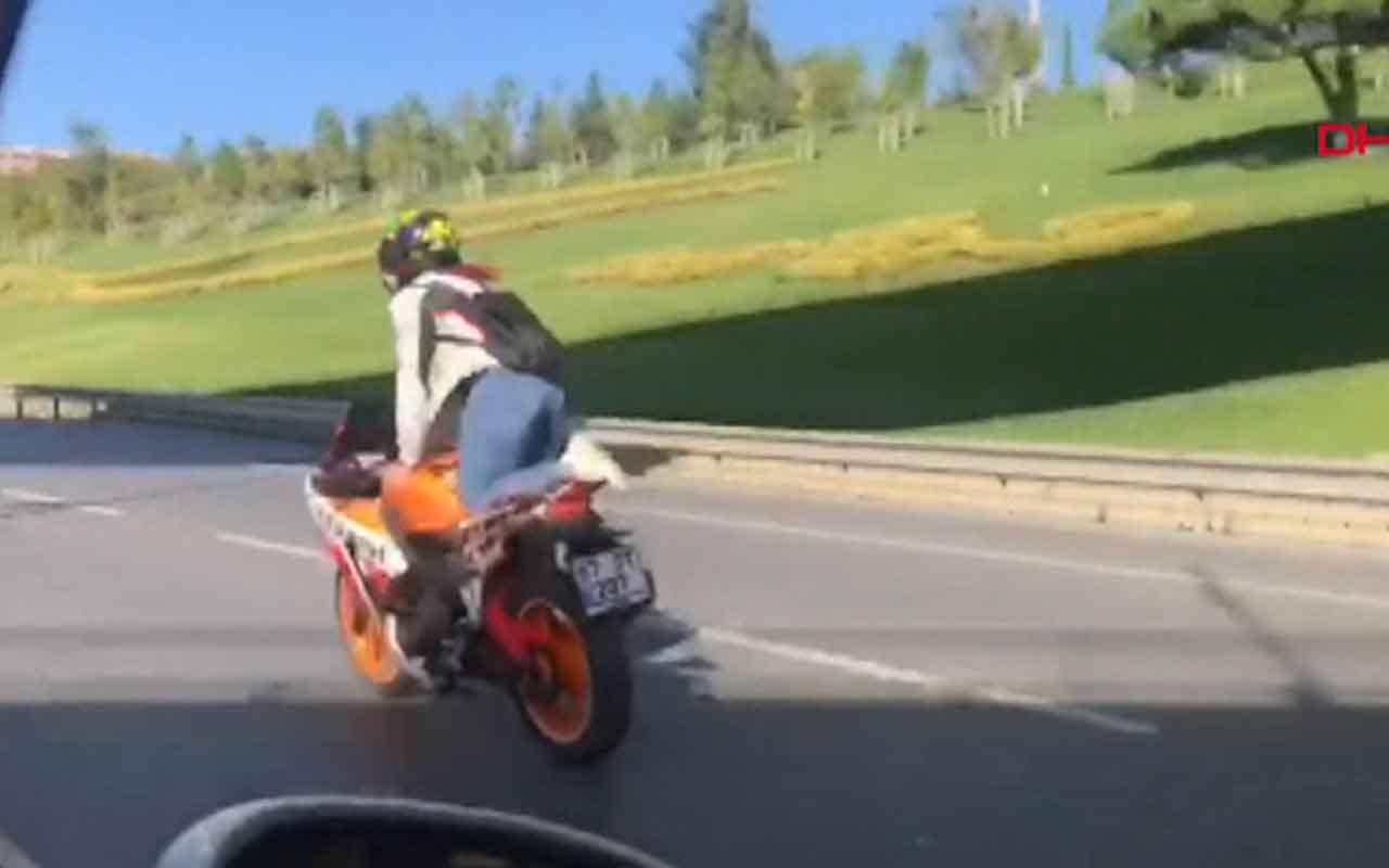 Motosiklet üzerinde dans eden kadın maganda yakalandı