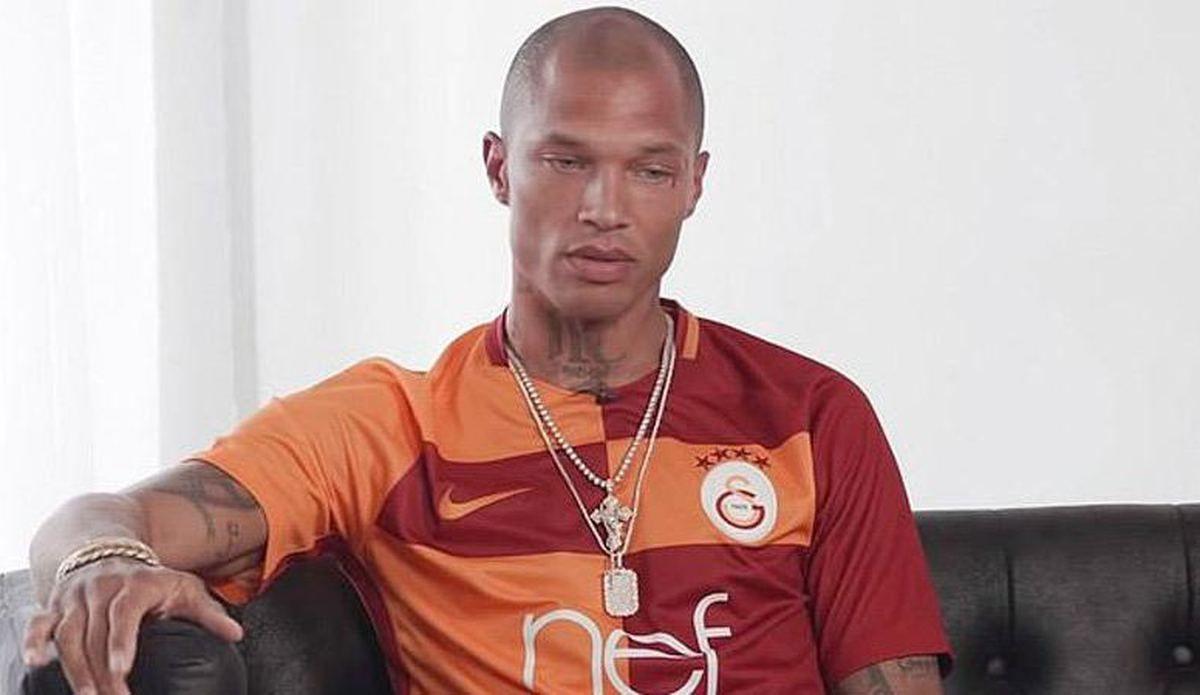 Dünyanın en yakışıklı mahkumu Jeremy Meeks Galatasaray forması giydi