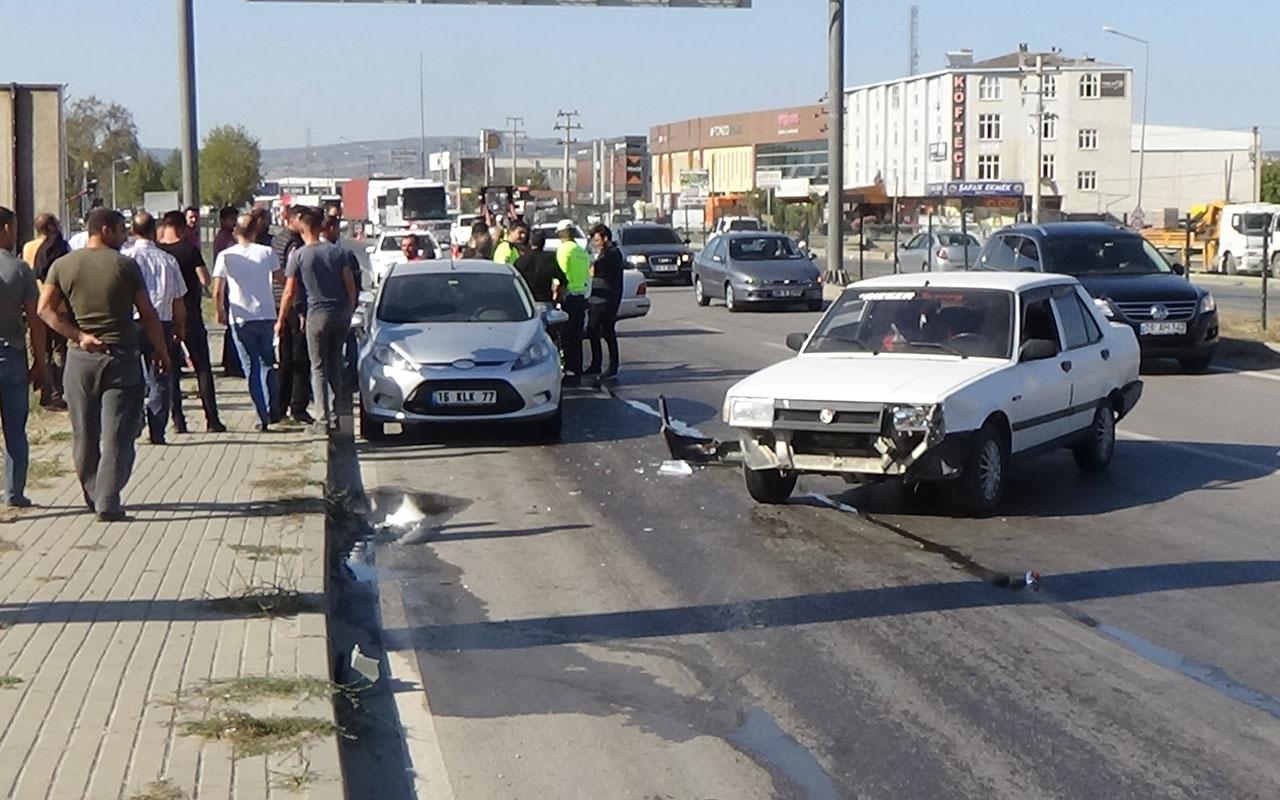 Yola yağ döküldü, araçlar birbirine girdi: 1 yaralı