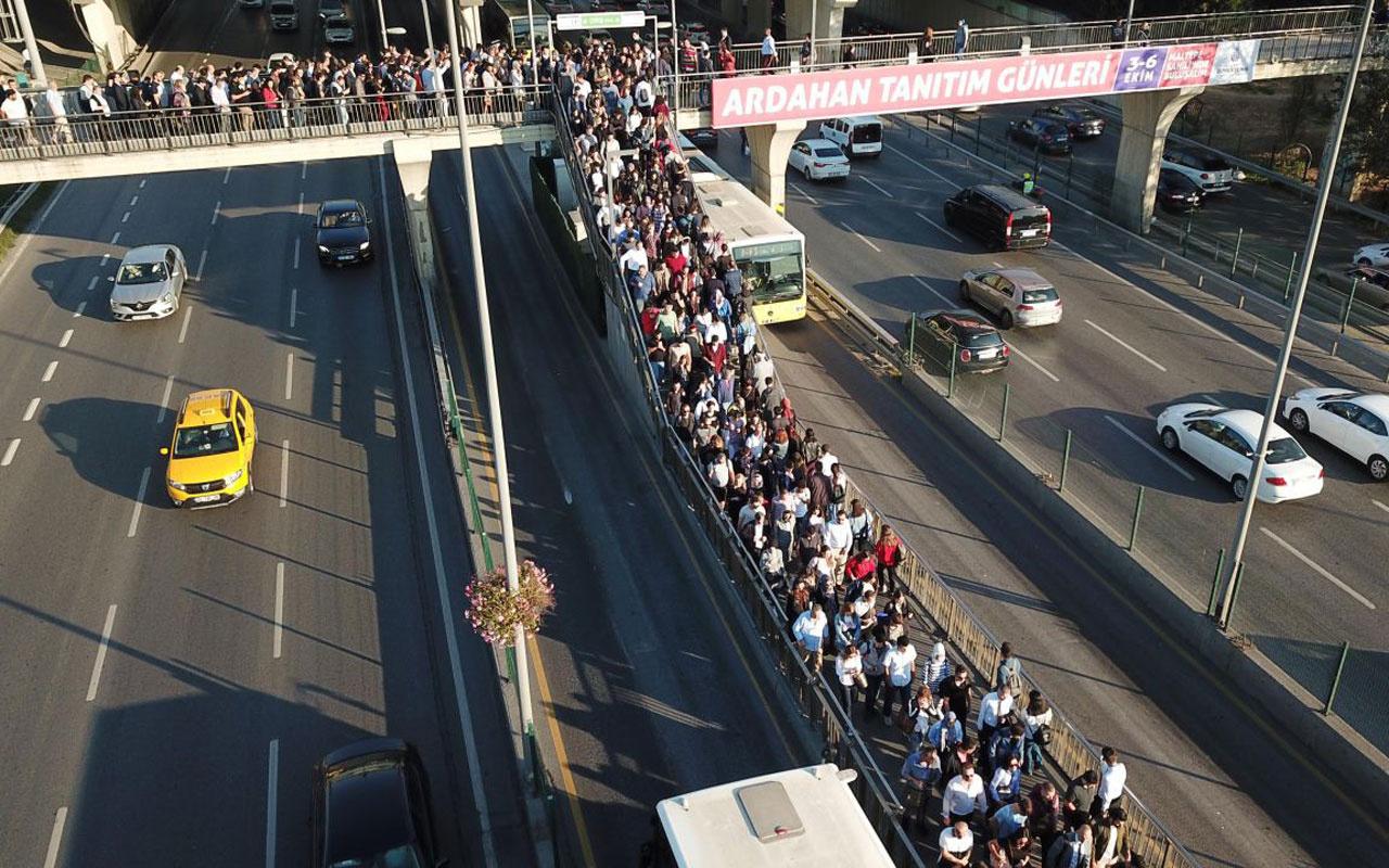 Yine metrobüs yine çile! Duraklarda insan seli vatandaşı çileden çıkardı