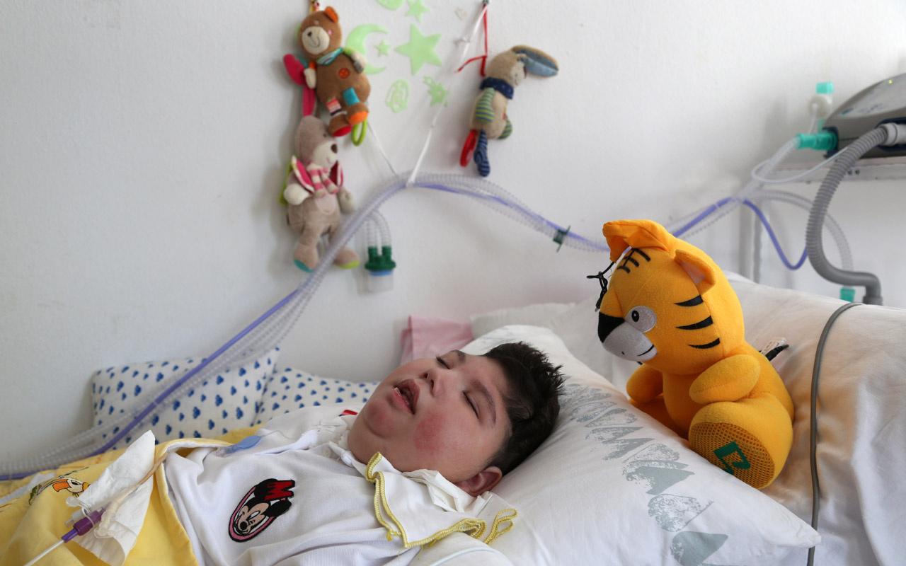 Nörolojik epilepsi hastası olarak dünyaya geldi! Annesi evini yoğun bakım odasına çevirdi