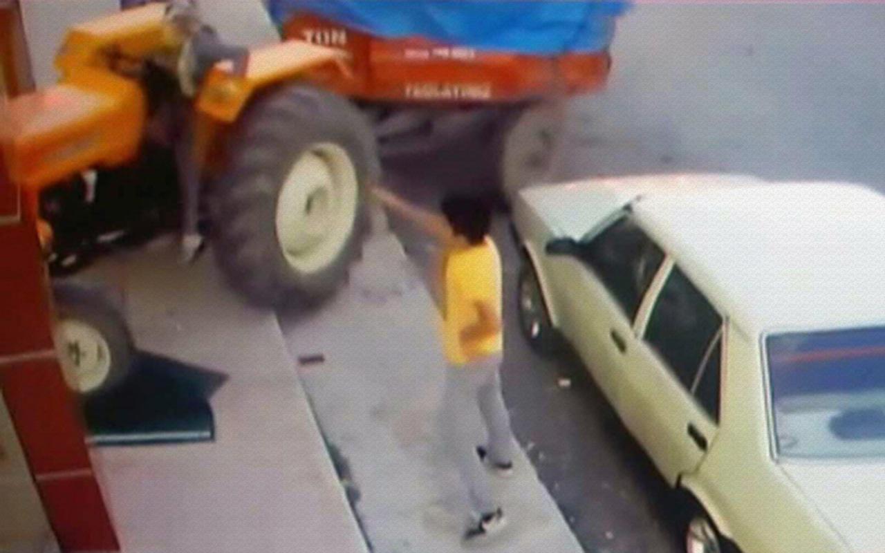 Kayseri'de genç kız babasının traktörüyle iş yerine girdi
