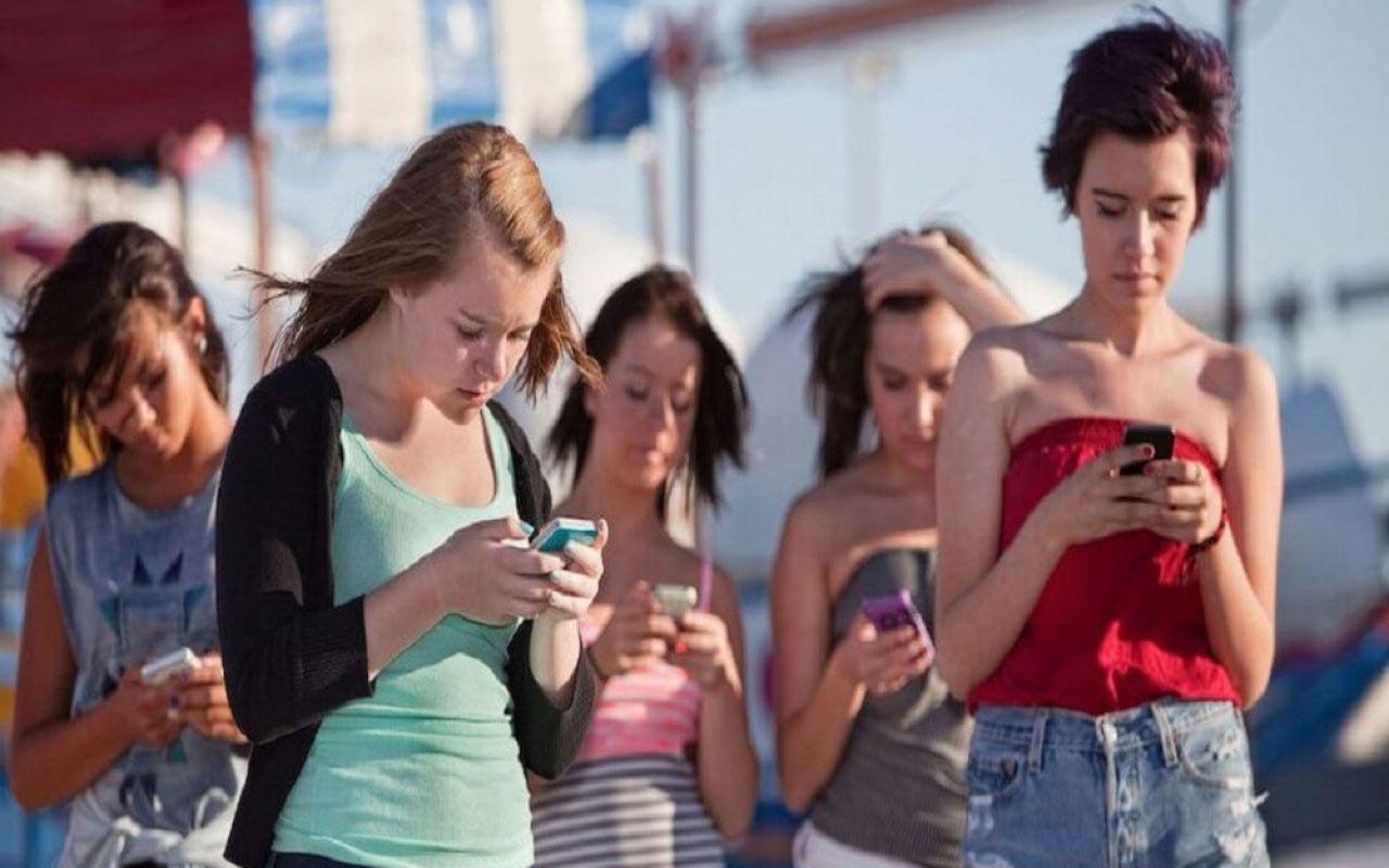 Sosyal medya gençlerin ruh sağlığını nasıl etkiliyor! İşte sonuçlar