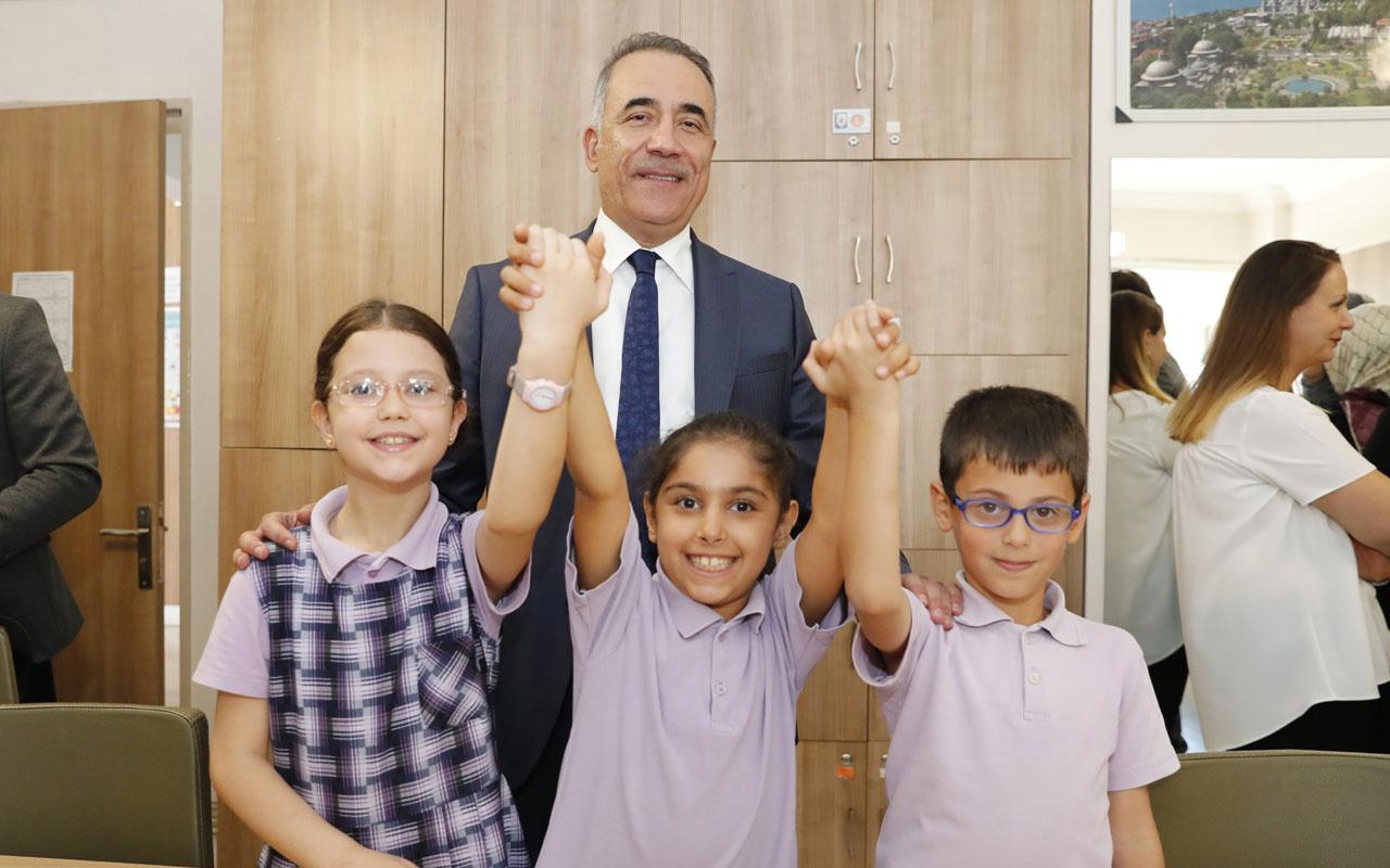 Sultangazi Belediye Başkanı Abdurrahman Dursun yardımsever öğrencileri ziyaret etti!