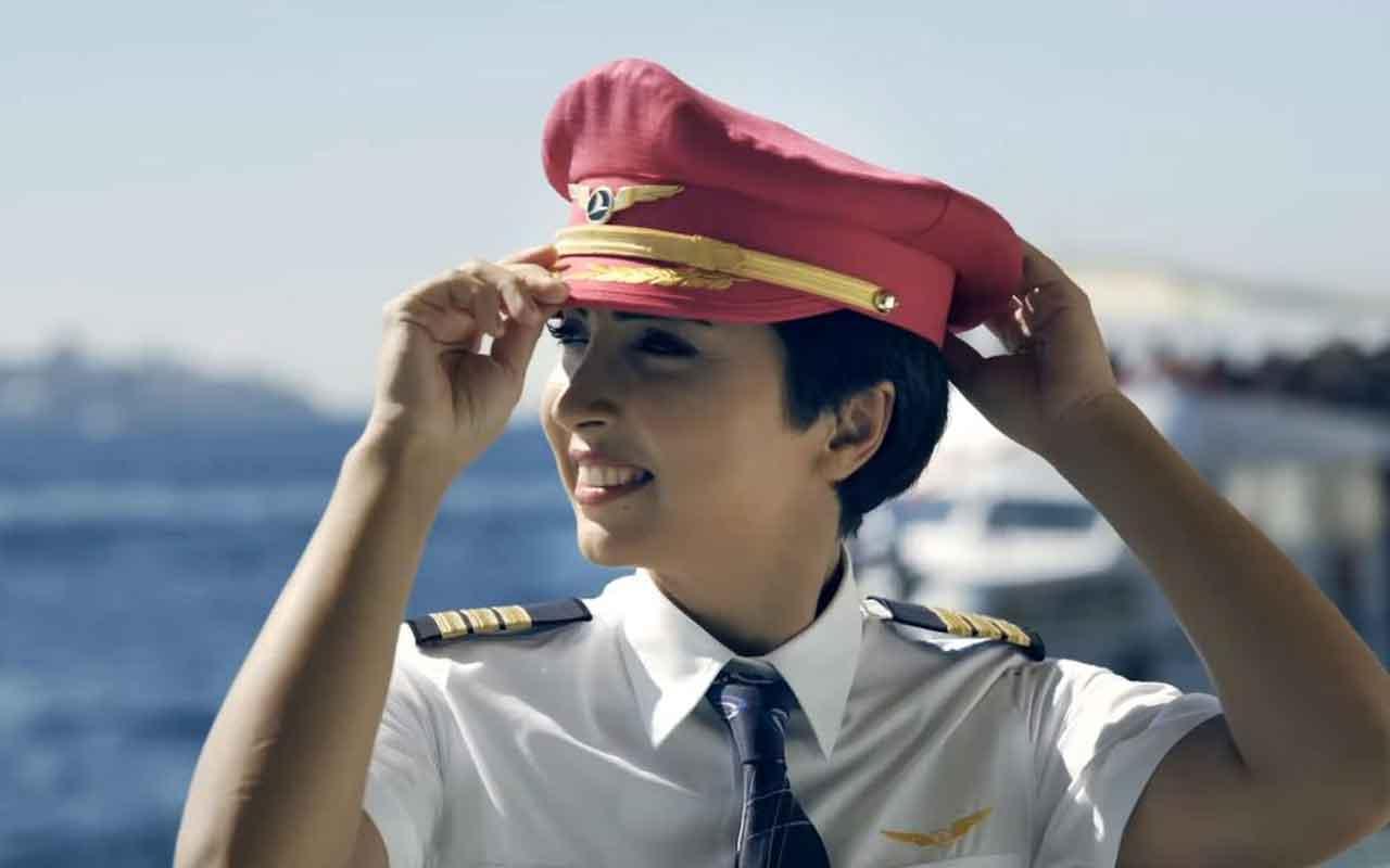 THY kadın pilotlarından Bilge 10 ay süren kanser savaşını kazanarak göklere yeniden döndü