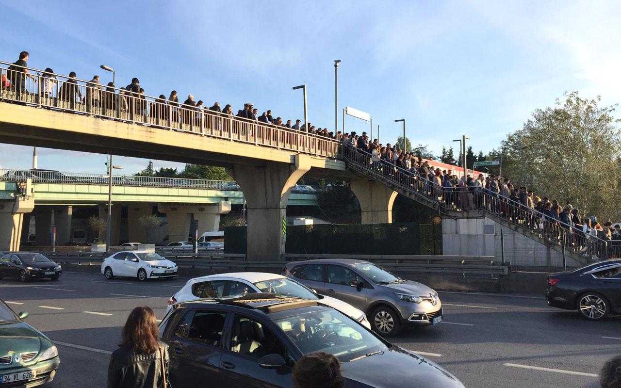 İBB'nin hamlesi sonuç vermedi Altunizade metrobüs durağı yolcuları çileden çıkarttı