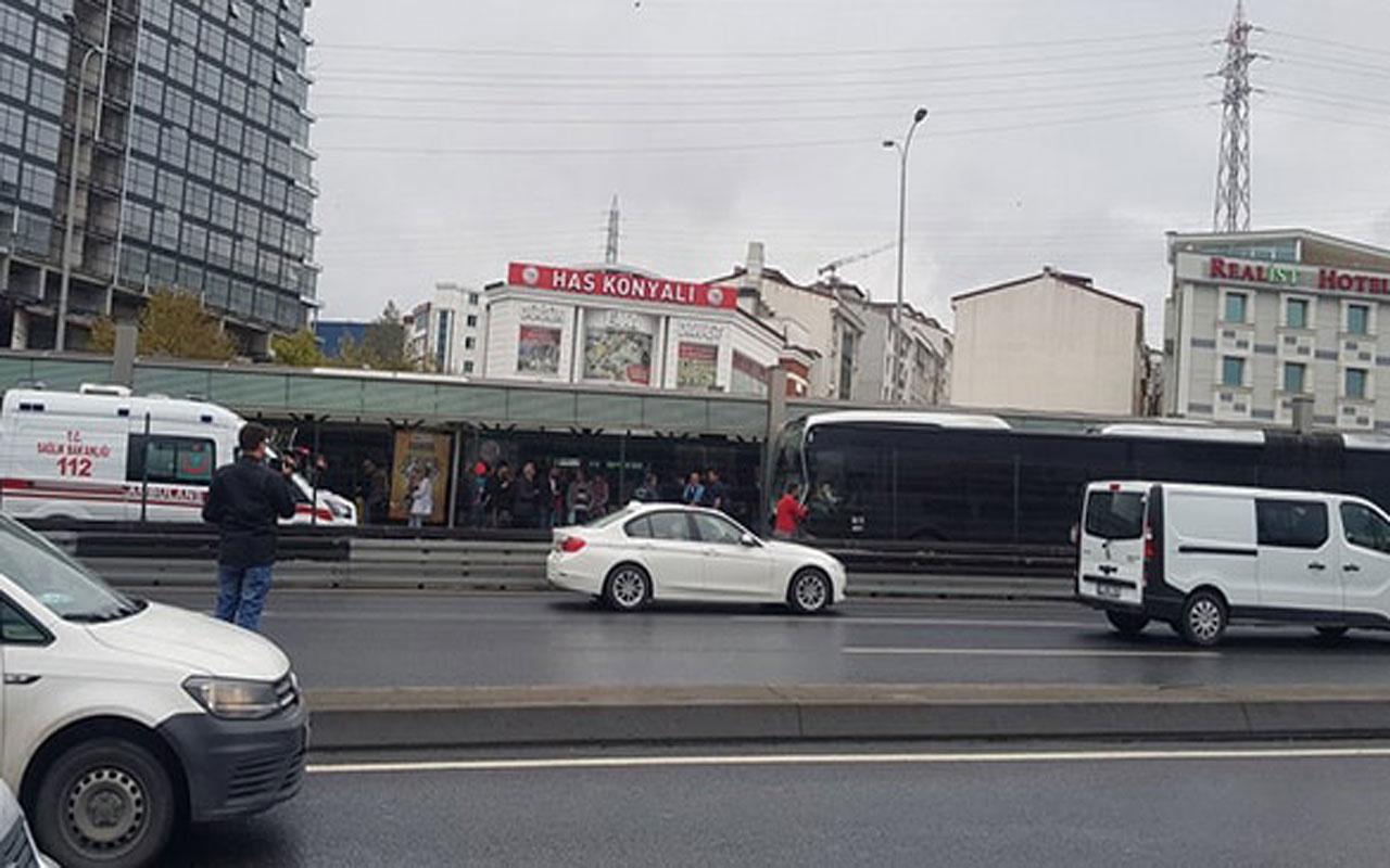 İstanbul Haramidere'de metrobüs kazası çok sayıda yaralılar var
