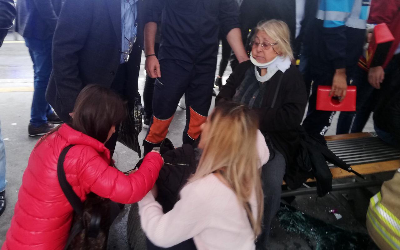 İstanbul Haramidere'de metrobüs kazası: Yaralılar var