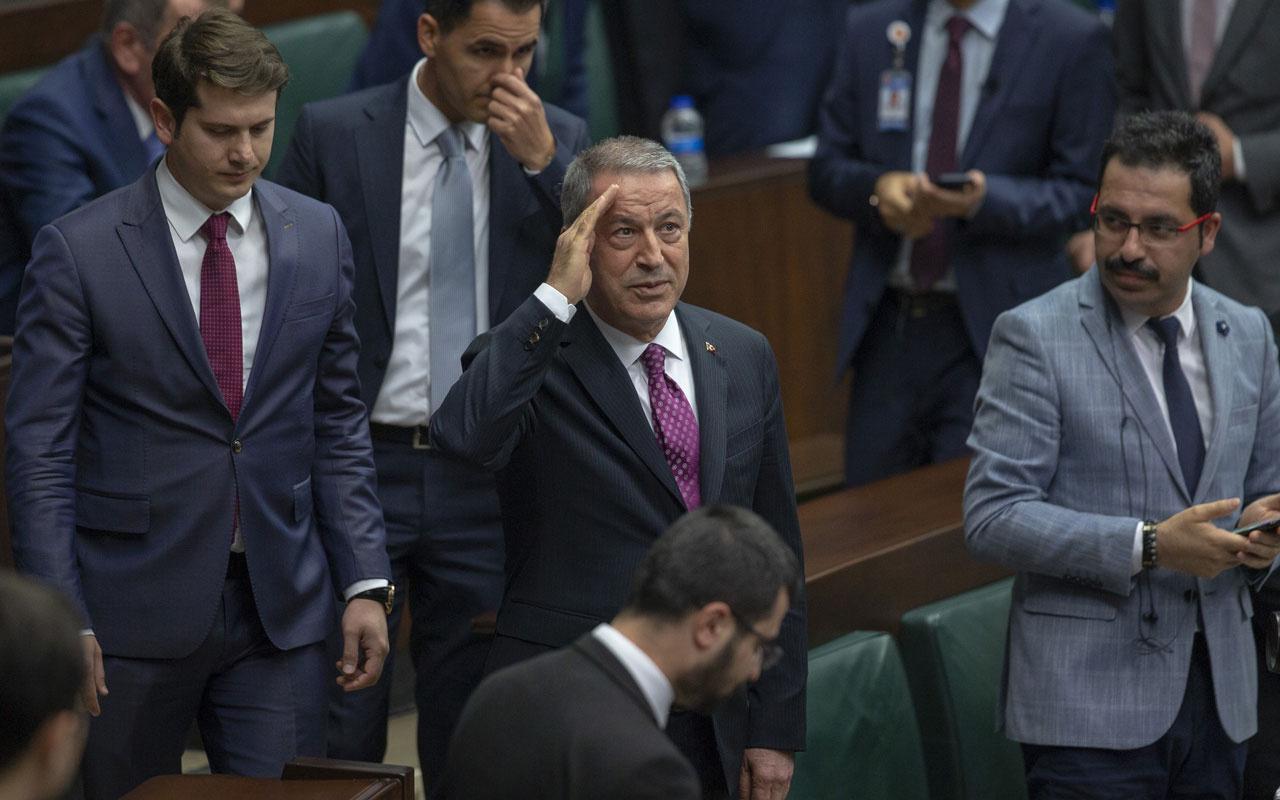 Milli Savunma Bakanı Hulusi Akar AK Parti grubunda asker selamı verdi