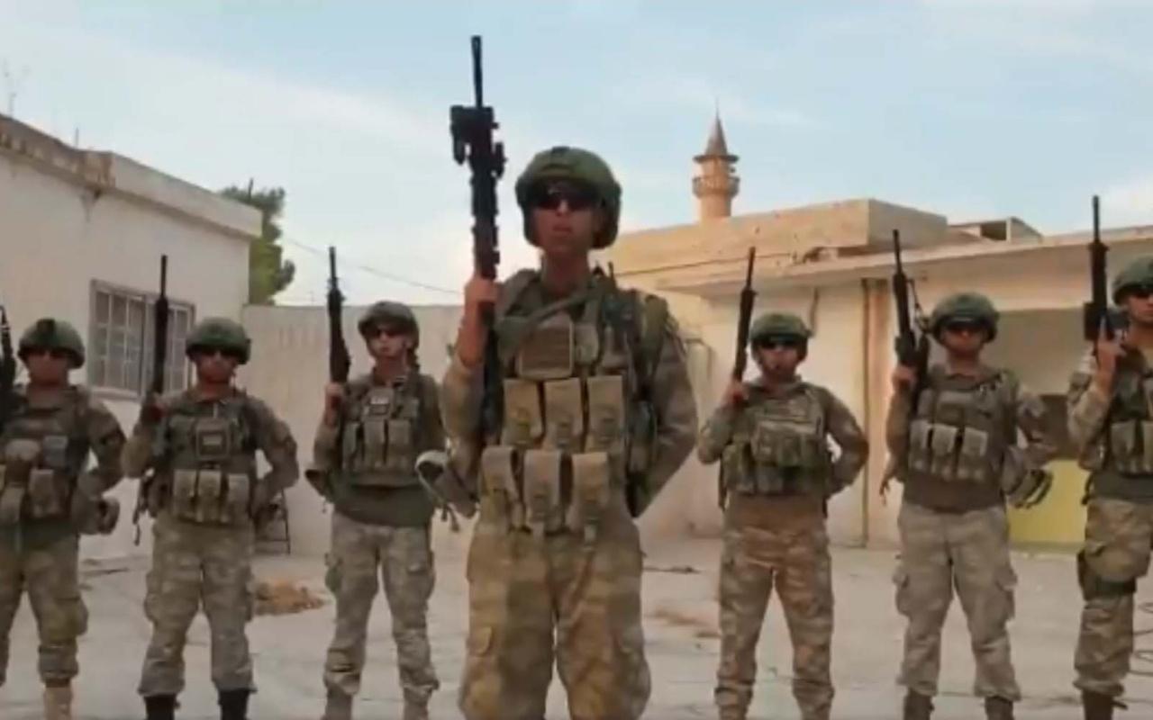 Tel Abyad'da Türk askerinden asker selamı veren sporculara mesaj