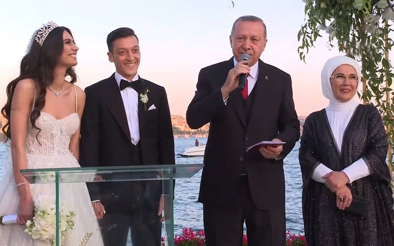Mesut Özil'den Merkel itirafı: Erdoğan'la fotoğraf çektiririm kimse karışamaz