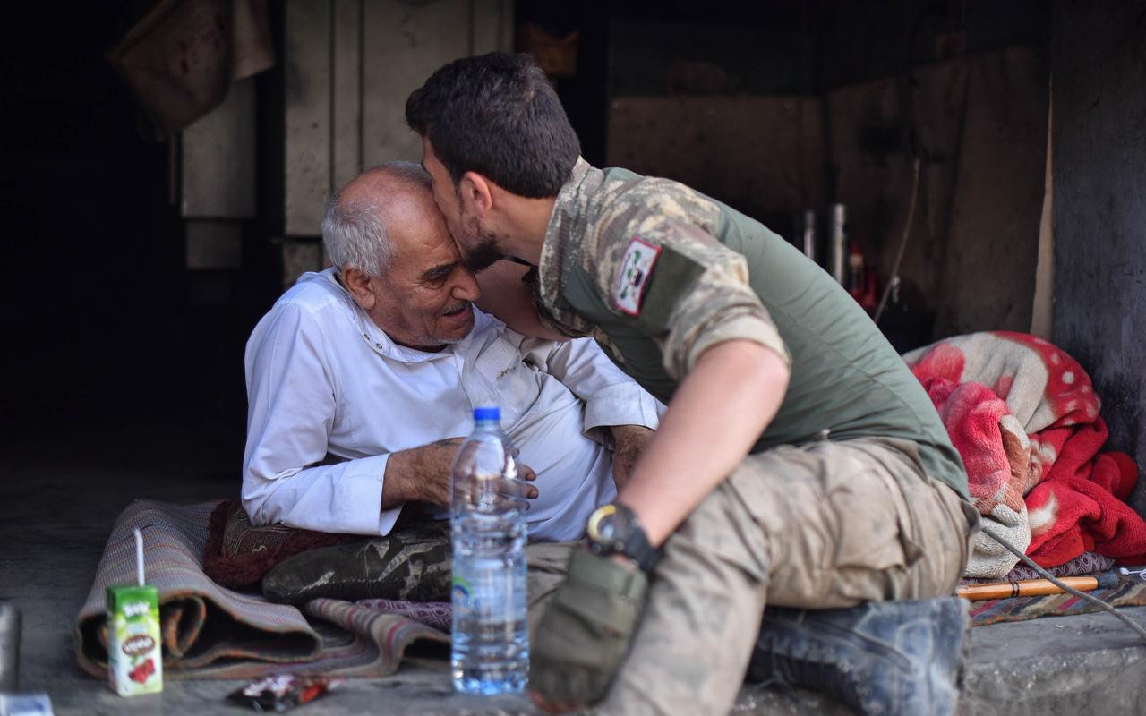 Tel Abyadlılar terörden kurtarılan ilçelerine geri dönüyor