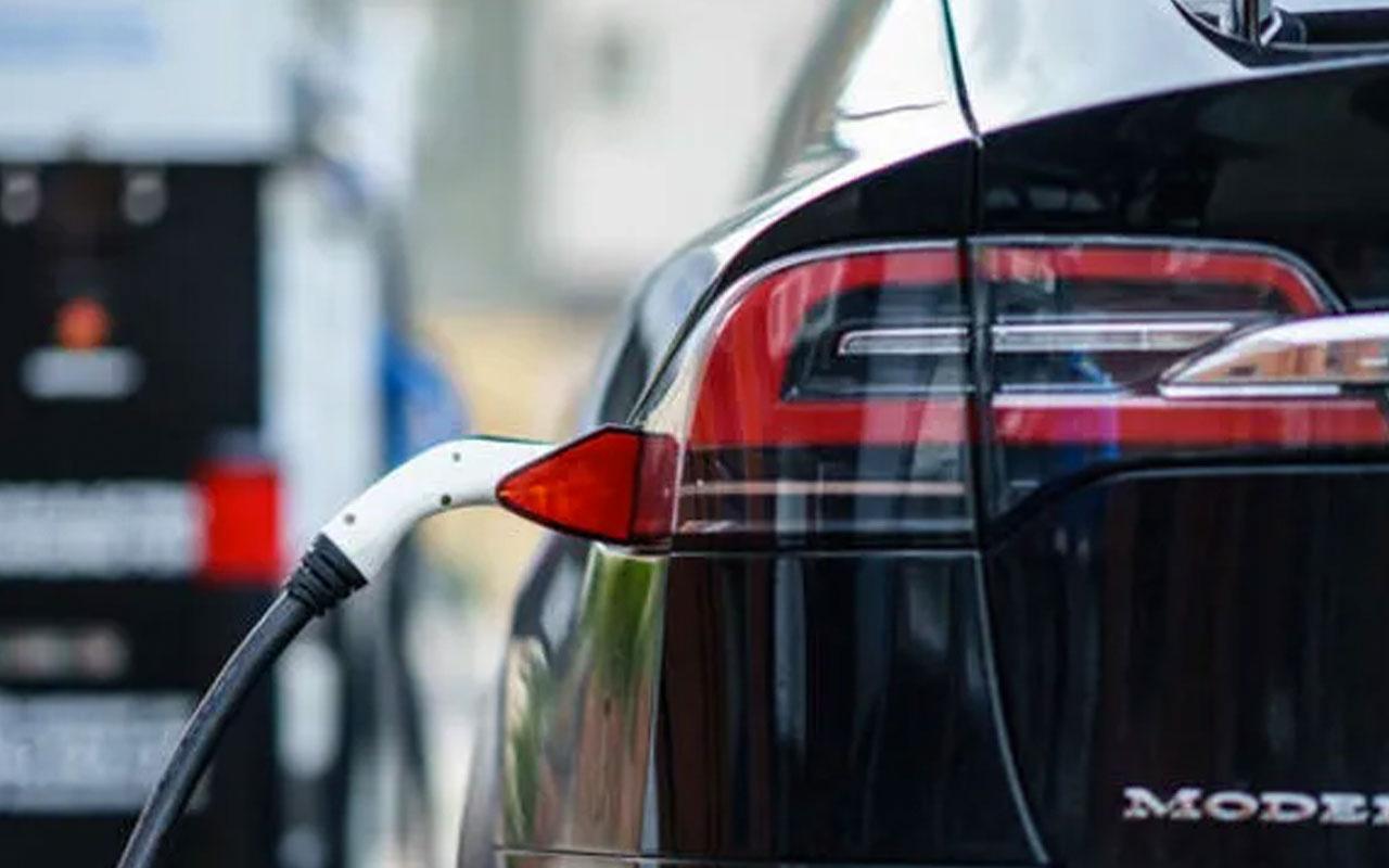 Elektrikli otomobil devi Tesla Çin'den üretim lisansı aldığını duyurdu