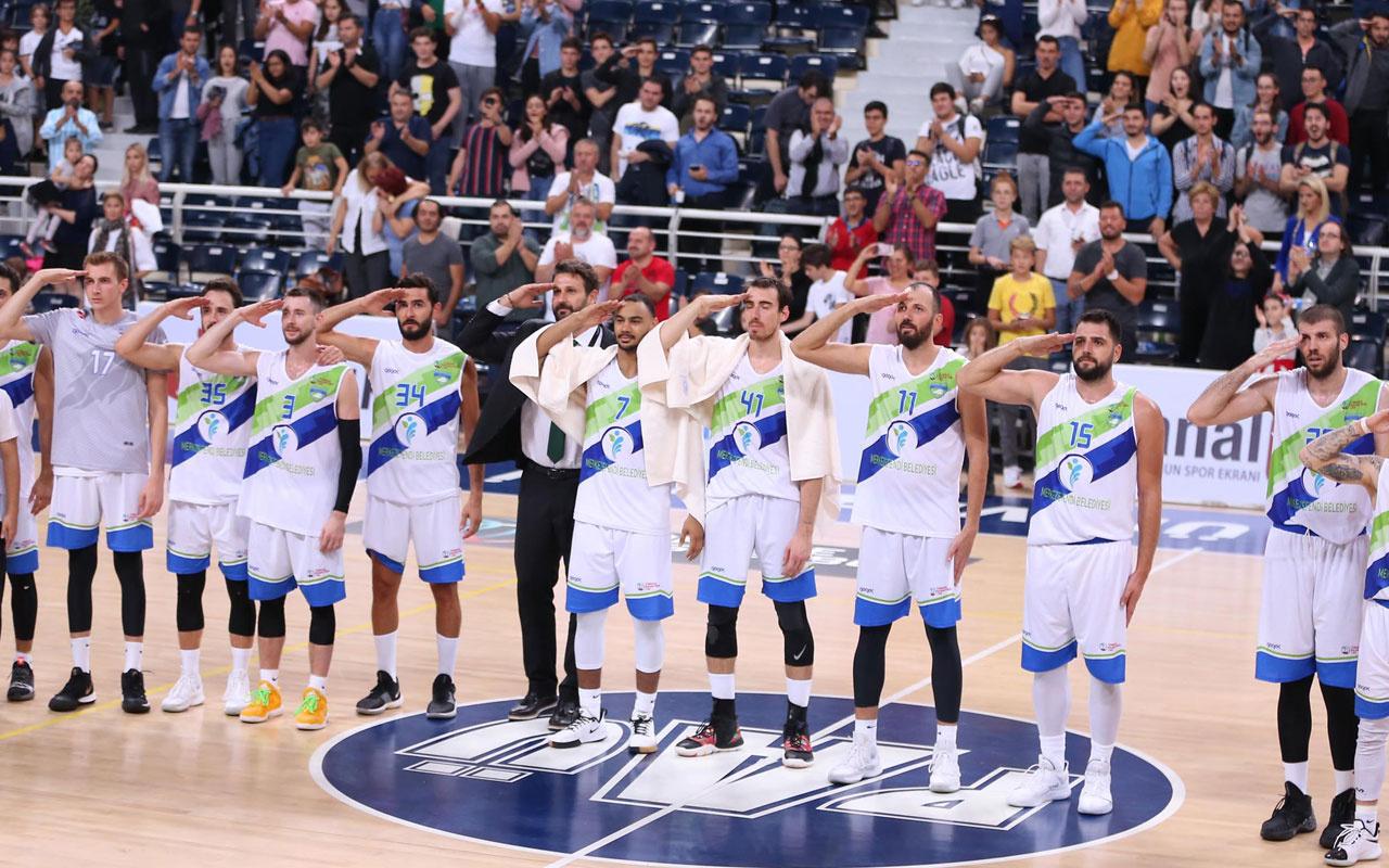 2. Lig'de karşılaşmada yabancı basketbolculardan asker selamı