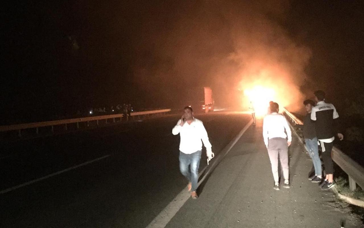 Bursa'da sporcuları taşıyan otobüs cayır cayır yandı