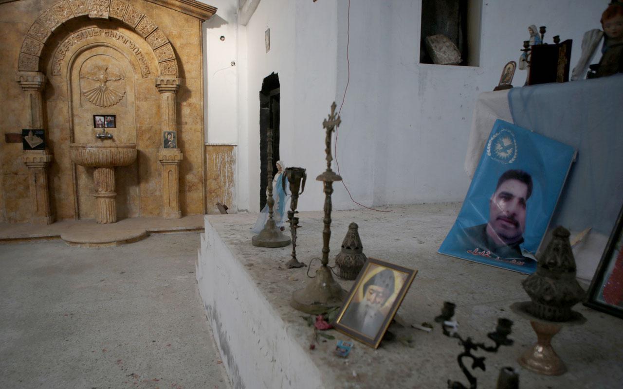 YPG'nin karargaha çevirdiği Ermeni kilisesinde Öcalan posterleri