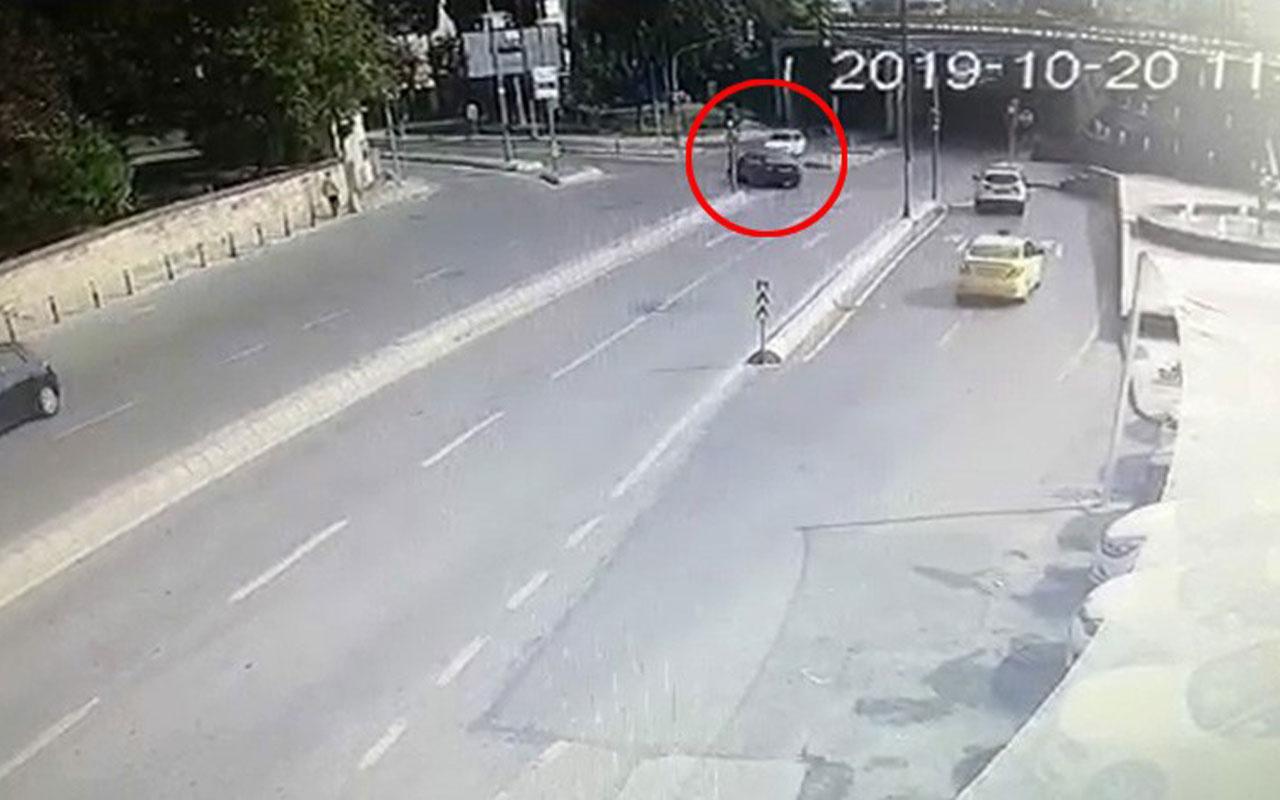 Üsküdar'da lüks aracın karıştığı kaza kamerada