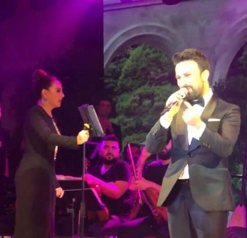 Tarkan düğünde sahne aldı Ebru Gündeş'le düet yaptı Gülnur Güneş'in düğününe ünlü akını