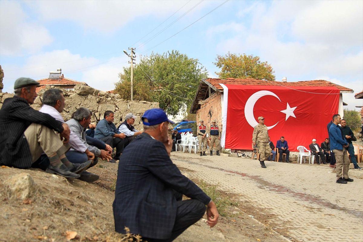 Tel Abyad'da şehit olan askerin ailesine acı haber ulaştırıldı
